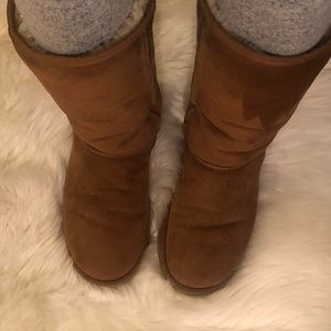 UGG classic tall 5815 chestnut boot size 9